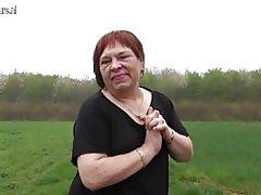 Модели похотливая бабка